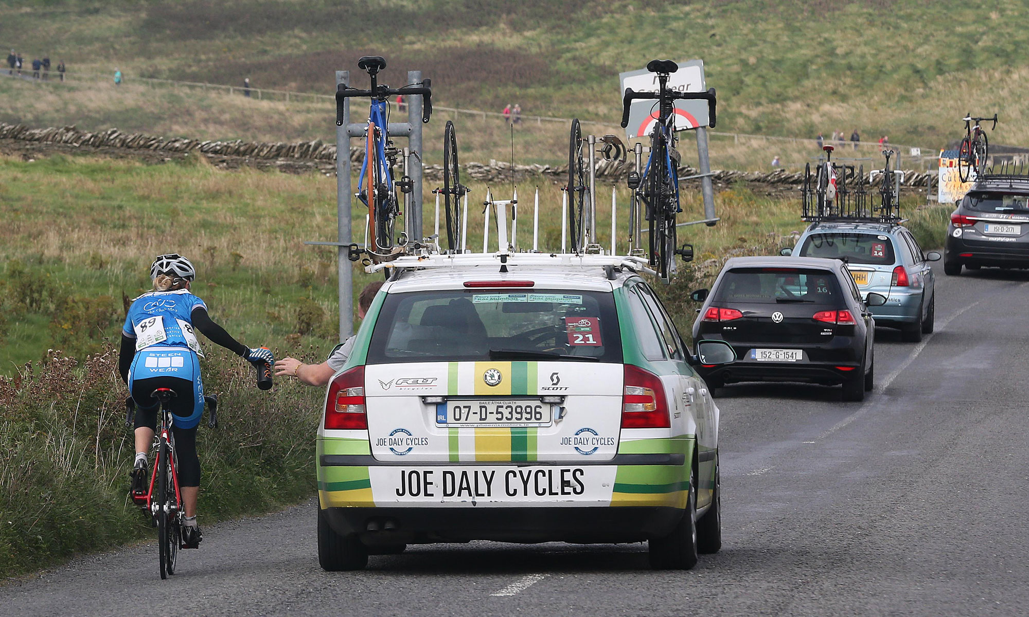 2015 Rás na mBan - Joe Daly Cycles support vehicle
