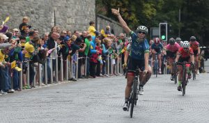 Scotland's Eileen Roe of Team WNT wins stage 6
